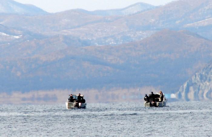 Лодки браконьеров в заповедной бухте